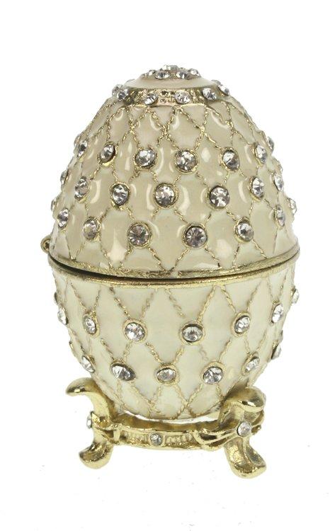 Ei doosje naar ontwerp van Fabergé crèmekleurig met strass