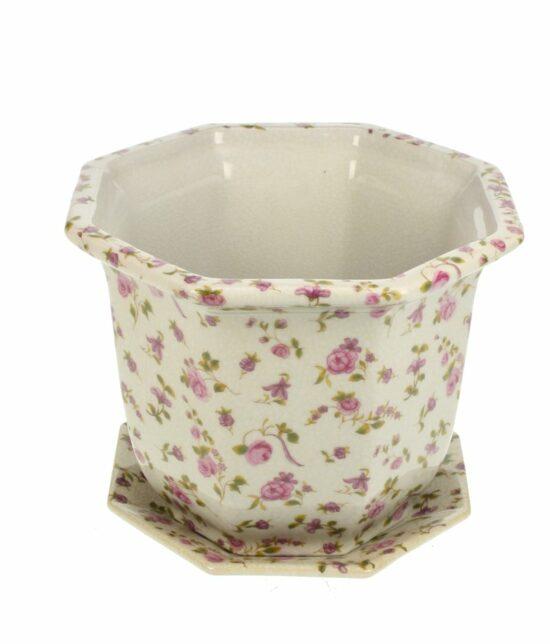 cachepot met onderschaal rozen