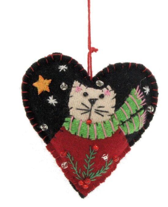 Kerstornament kat met sjaal in hartje vilt