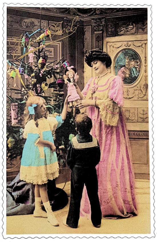 Ansichtkaart Kerst Kinderen bij kerstboom