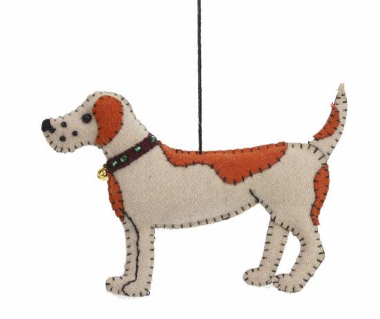 Hond met bruin vlekken ornament vilt