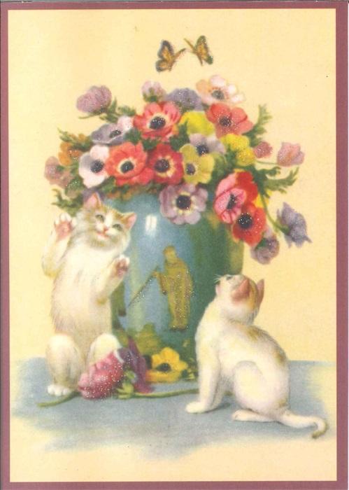 Ansichtkaart katten met bloemenvaas